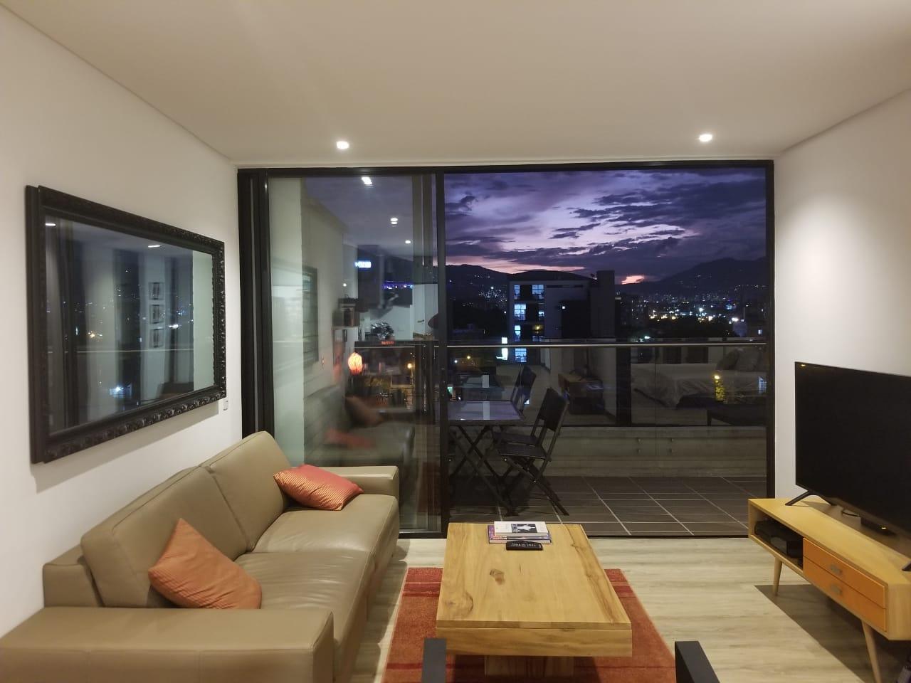 Manila Center – Beautiful Apartment in Trendy Neighborhood