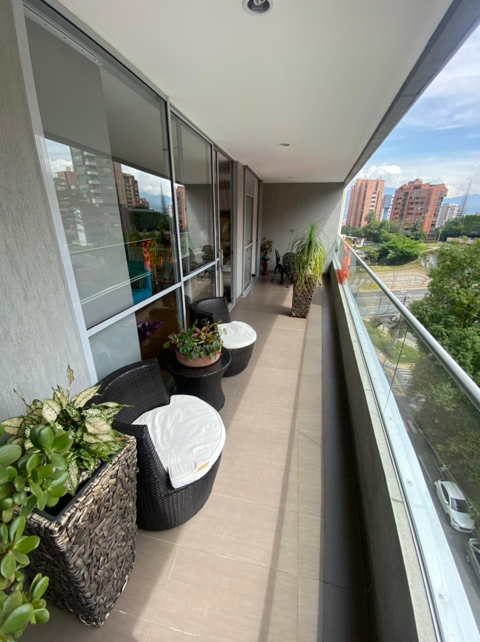 Life 701 – Great location with large balcony and open floorpan