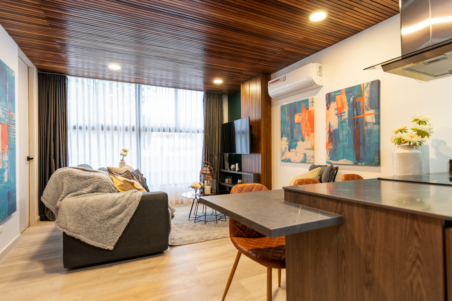 Manila Luxury Suite 301 – Charming And Classy 2 Bedroom Apartment